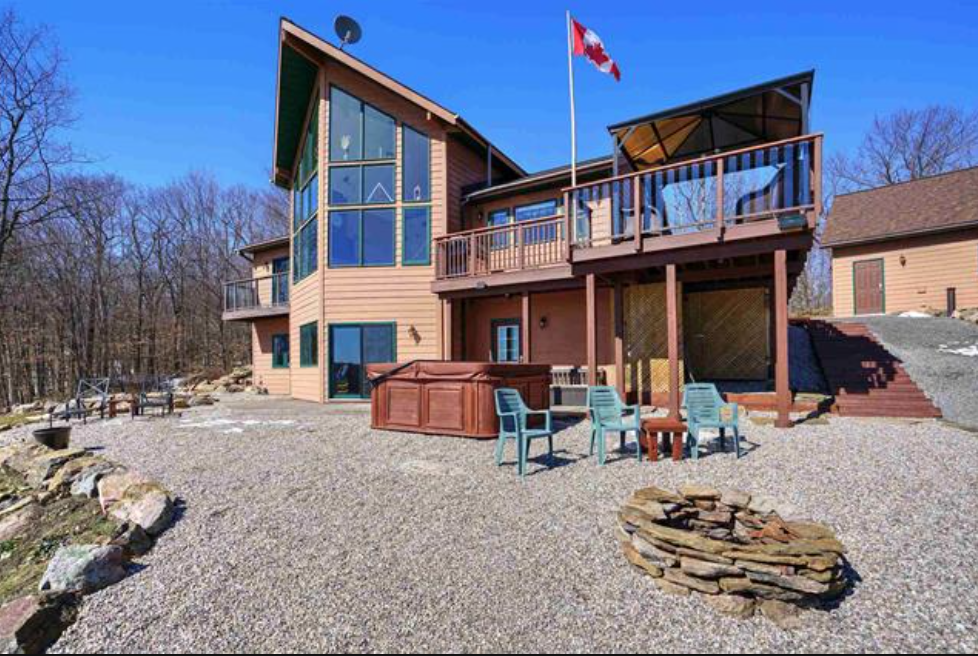 gurreathomes Wolfe lake cottage country living home